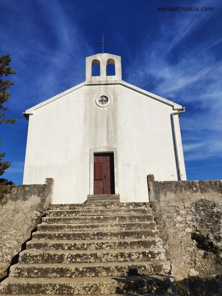 island Ist hill straza church